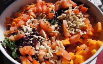 Salada Revitalizante de Amêndoa e Cânhamo