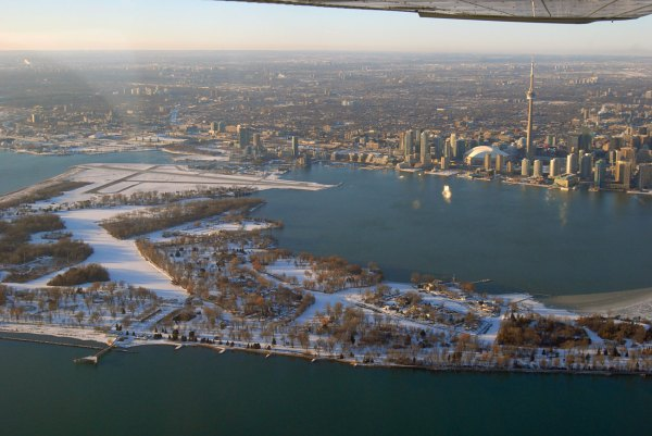 Visit Toronto In Canada Linguaenglish