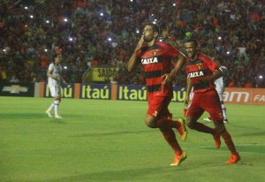 Diego Souza até veste a camisa 87. Não precisa de mais motivação pra mitar frente ao Flamengo, né migo?