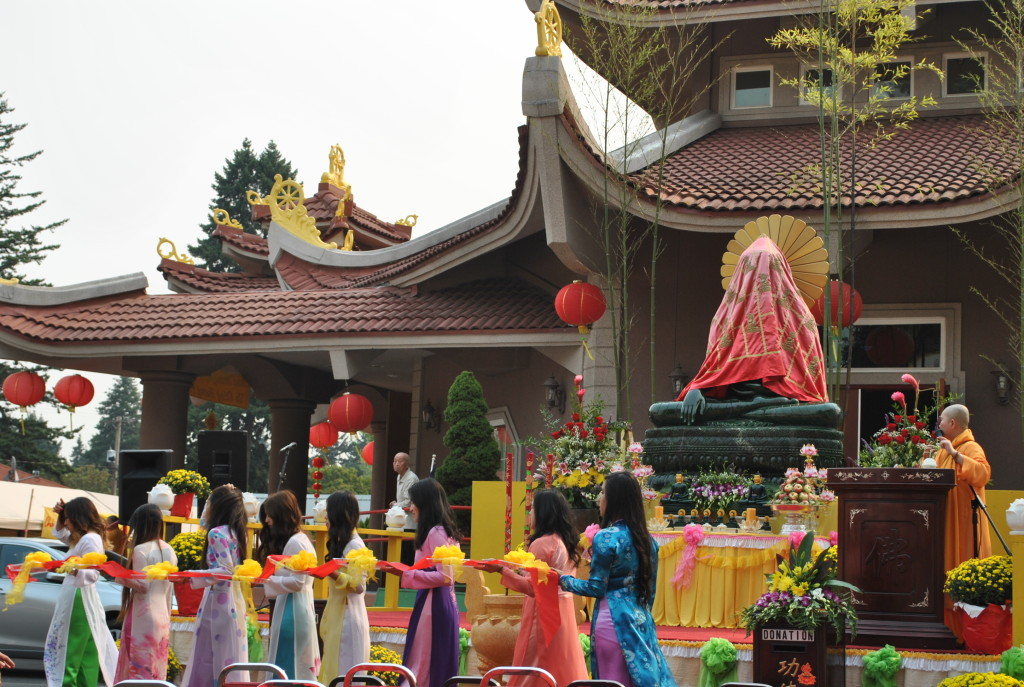 Aug 22 - 2015, Ngay Khai Mac Phat Ngoc 2015 (11)