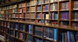 foto articolo libri a studente