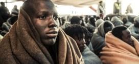 Dramma migranti: donna incinta muore prima di toccare terra