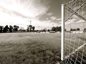 campo-da-calcio-polveroso