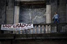 Renzi a Napoli, protestano lavoratori Consorzi di bacino