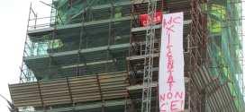 Protesta degli operai per il reddito di cittadinanza