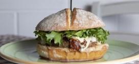 """""""Terra Mia"""": il nuovo locale con i panini ispirati alle sette note"""