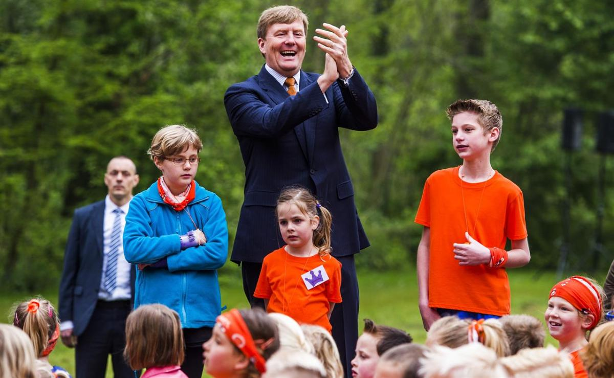 C È Una Casa Nel Bosco la tradizione olandese di abbandonare i figli nel bosco (per