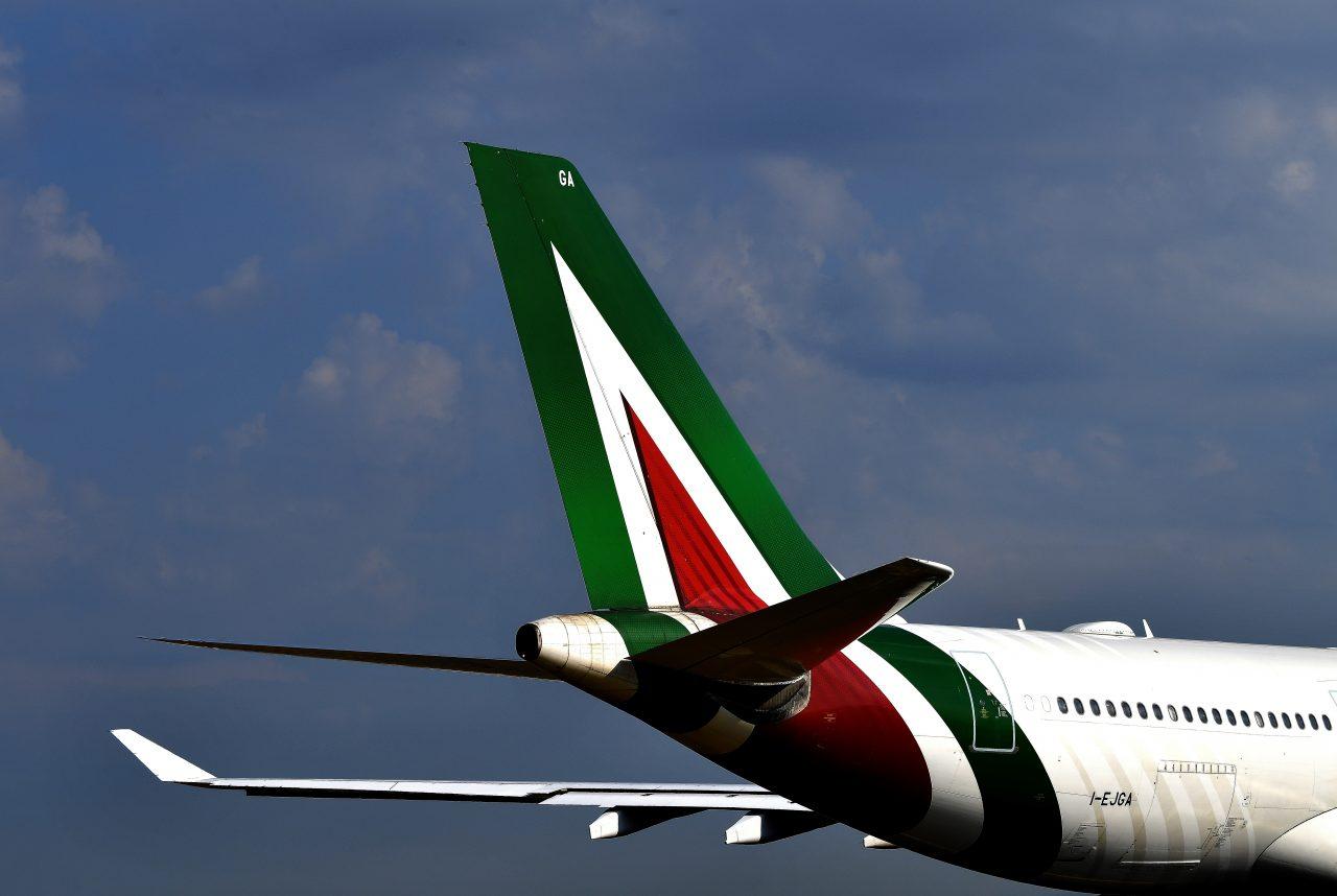 Oggi l'ultimo volo della vecchia Alitalia