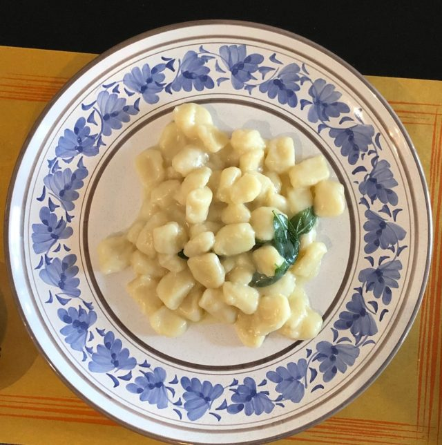 Gnocchi Walser Ricetta.Riale Come Mangiano I Walser Linkiesta It