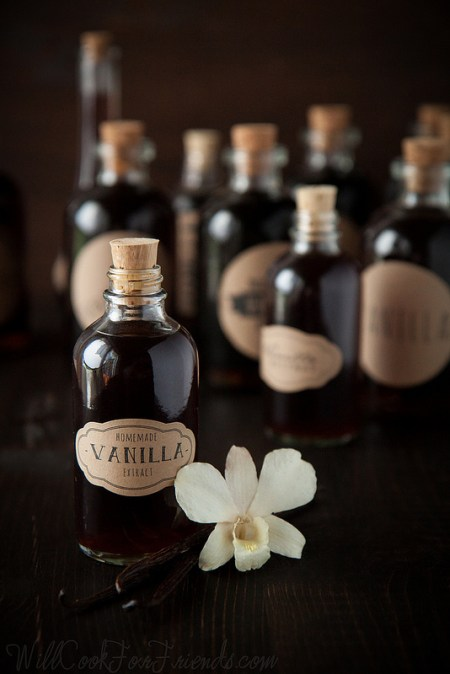 DIY Homemade Vanilla Recipe by www.willcookforfriends.com