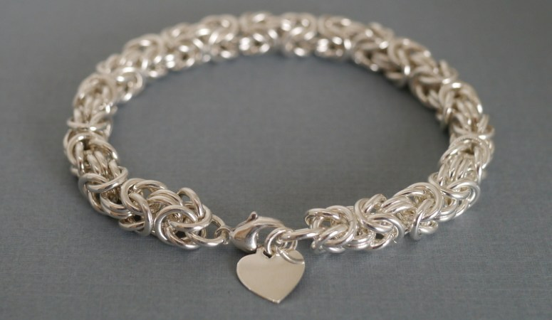 Learn how to make your own stunning Byzantine bracelet