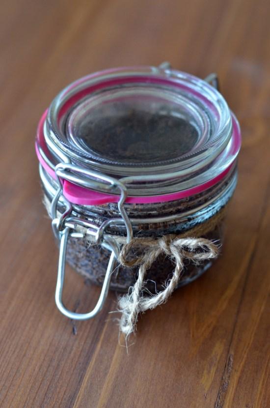 Vanilla Latte Body Scrub DIY by Nutiva