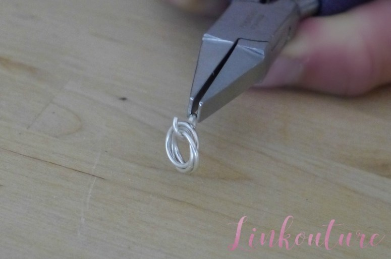 Learn how to make a gorgeous piece of jewelry with this easy DIY pendant necklace tutorial!
