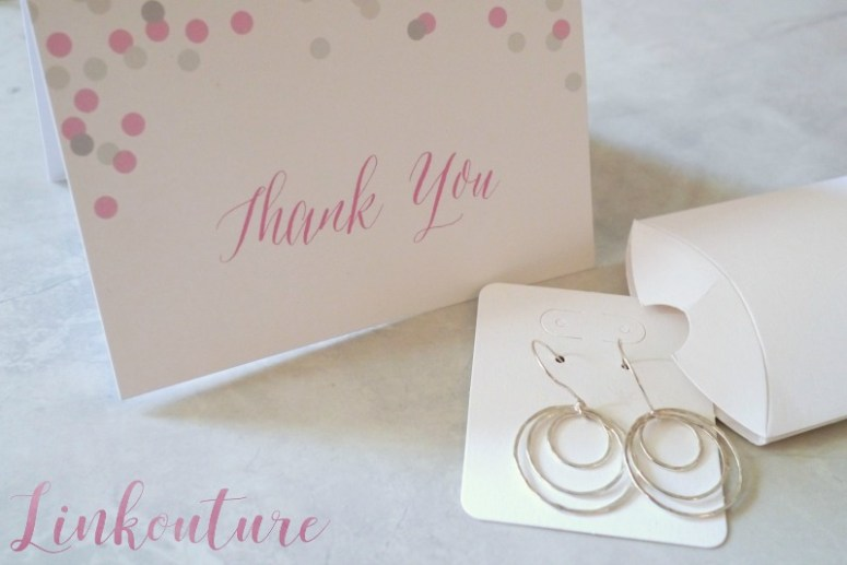Create memorable jewelry packaging to reflect the beauty of what's inside.