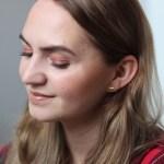 Rötliches Make-Up