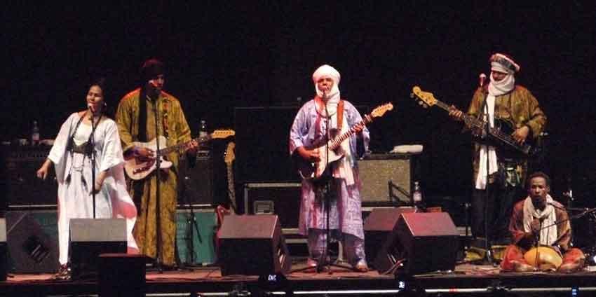 Tinariwen: raízes dos tuaregues transformadas em boa música