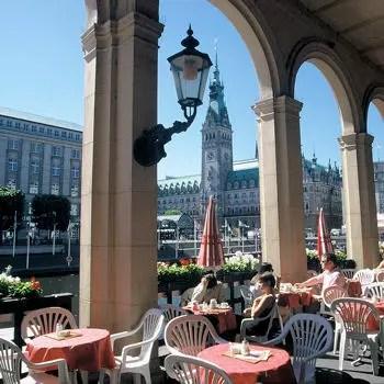 https://i0.wp.com/www.linternaute.com/actualite/monde/classement/qualite-de-vie-les-villes-les-plus-agreables-du-monde/image/hambourg-491261.jpg