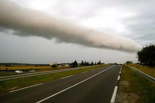 un rouleau de nuages