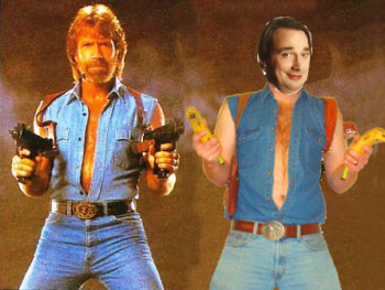 Chuck Norris vs Linux Torvalds