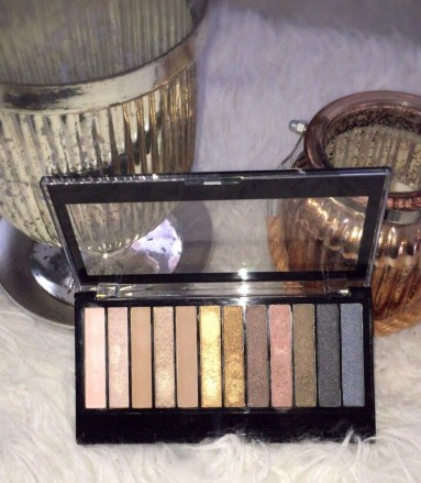 Redemption Palette Iconic 1 lipoedem mode makeup revolution