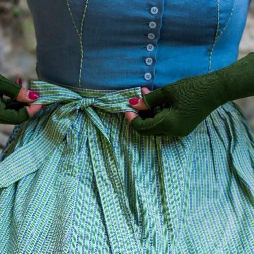 Lipedema dirndl fashion moss green medi armband compression flat knit caroline sprott