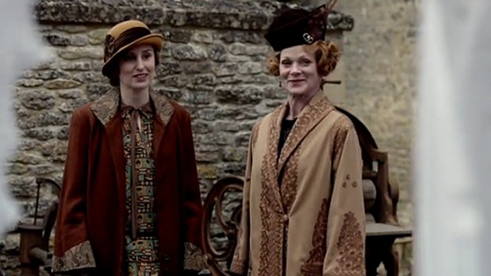 Downton Abbey: Edith, Aunt Rosamund, and their hats