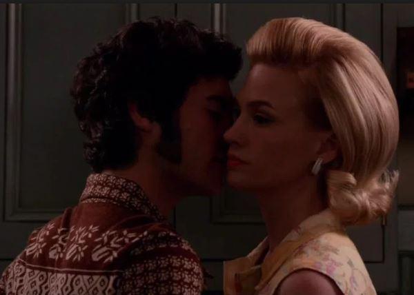 Glen kisses Betty