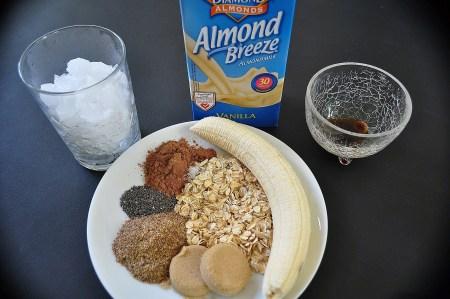 Oatmeal Cookie Smoothie Ingredients