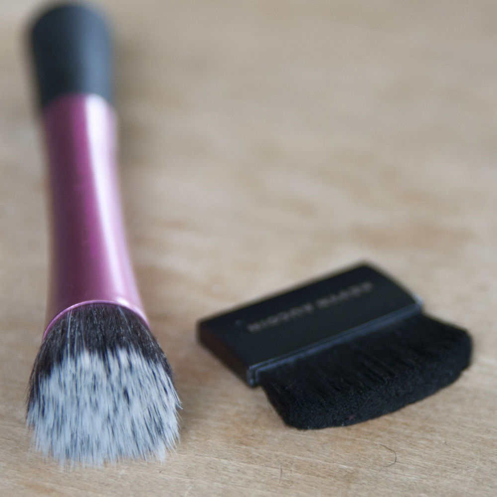 Kevyn Aucoin Sculpting Powder Brush