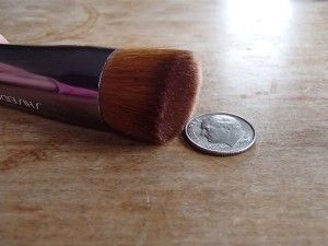 Flat buffing brush