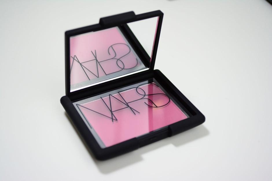 NARS 413blkr blush