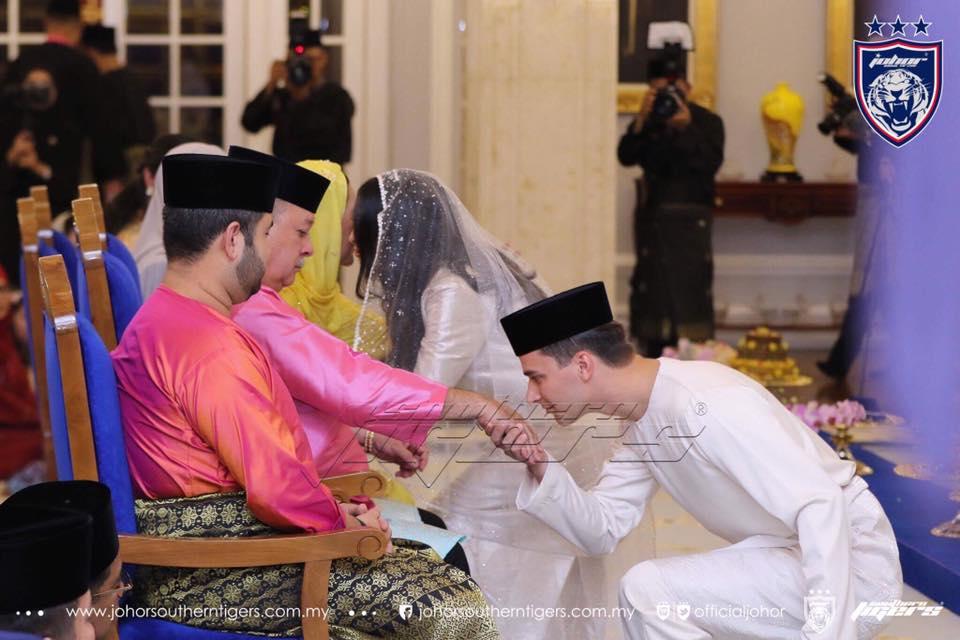 HH Tunku Tun Aminah Officially Married Dennis Muhammad
