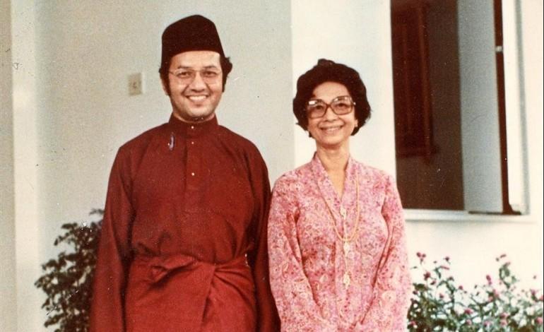 Ex Msian PM Dr Mahathir Joins Instagram  Dedicates Cute