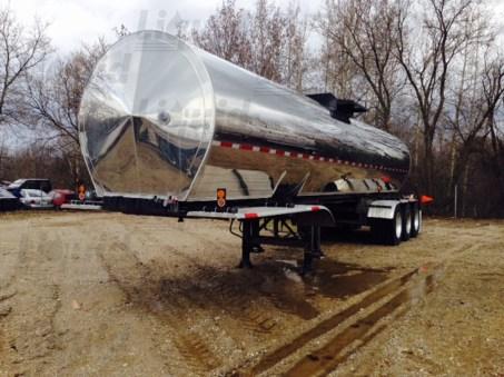7200-sanitary-tridem-transport-trailer-liquid-partners