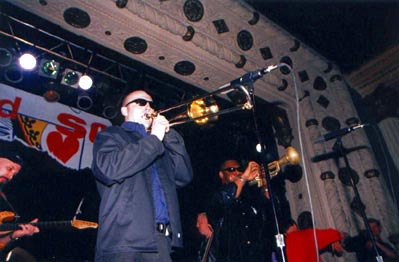 """""""Here's the Deal"""" CD-release party, Metro, Chicago, Apr. 29, 2000 (Photo by Mike Rosley)."""