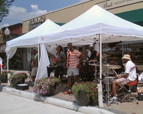 Band getting ready to play at Art in the Park