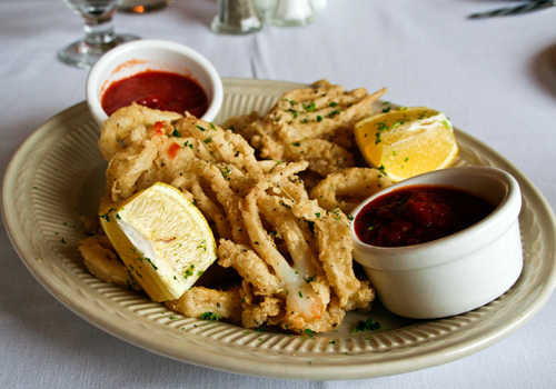 Calamari with marinara sauce