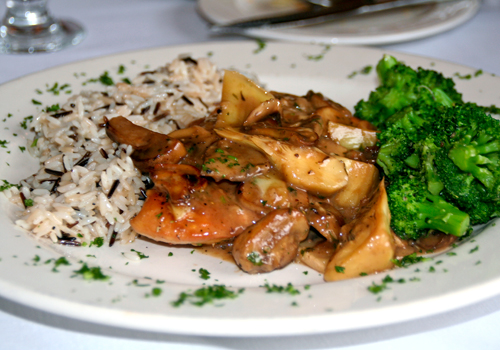 Chicken marsala with rice and broccoli