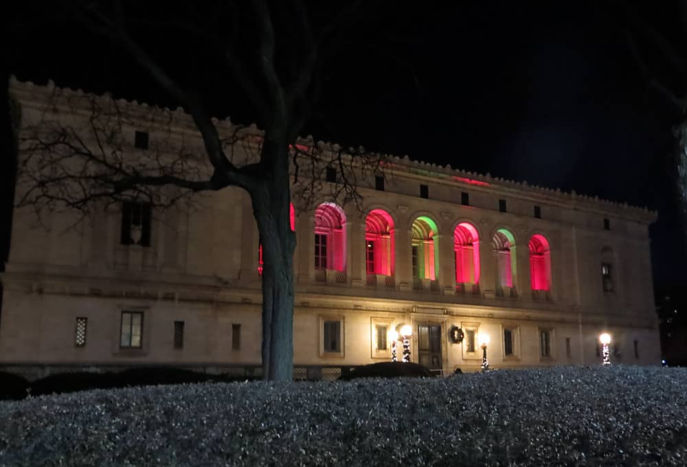 Night lighting at the Detroit Public Library