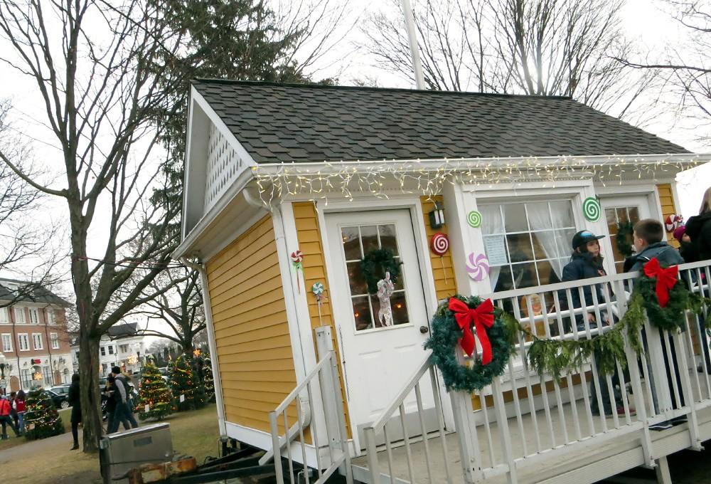 Santa Hut in Kellogg Park