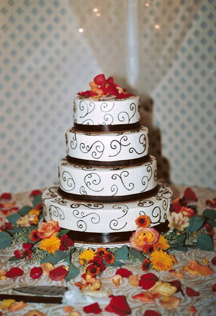Wedding Cakes Lisa Beckers Bakery Custom Cakes And