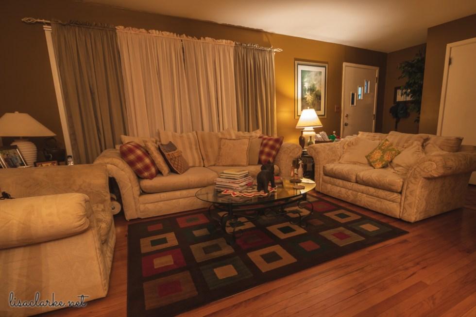 Tacky Santa: Living Room Dark