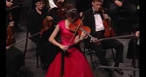 Lisa McNiven performing the Bartok Viola Concerto
