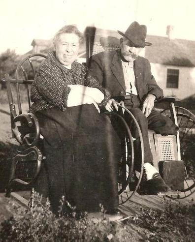photo of Mary and Ed Whiting