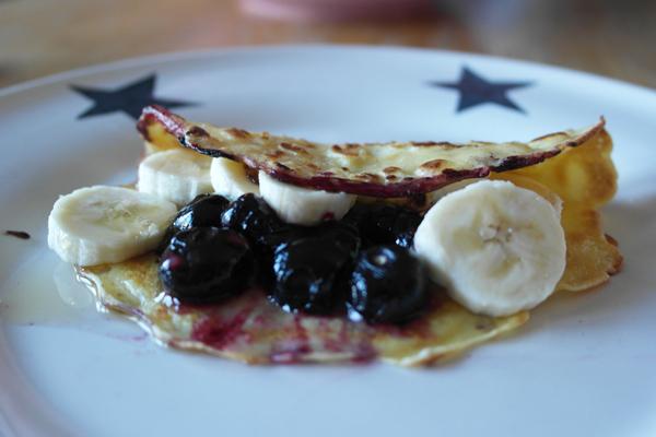 banana-blueberry-pancake