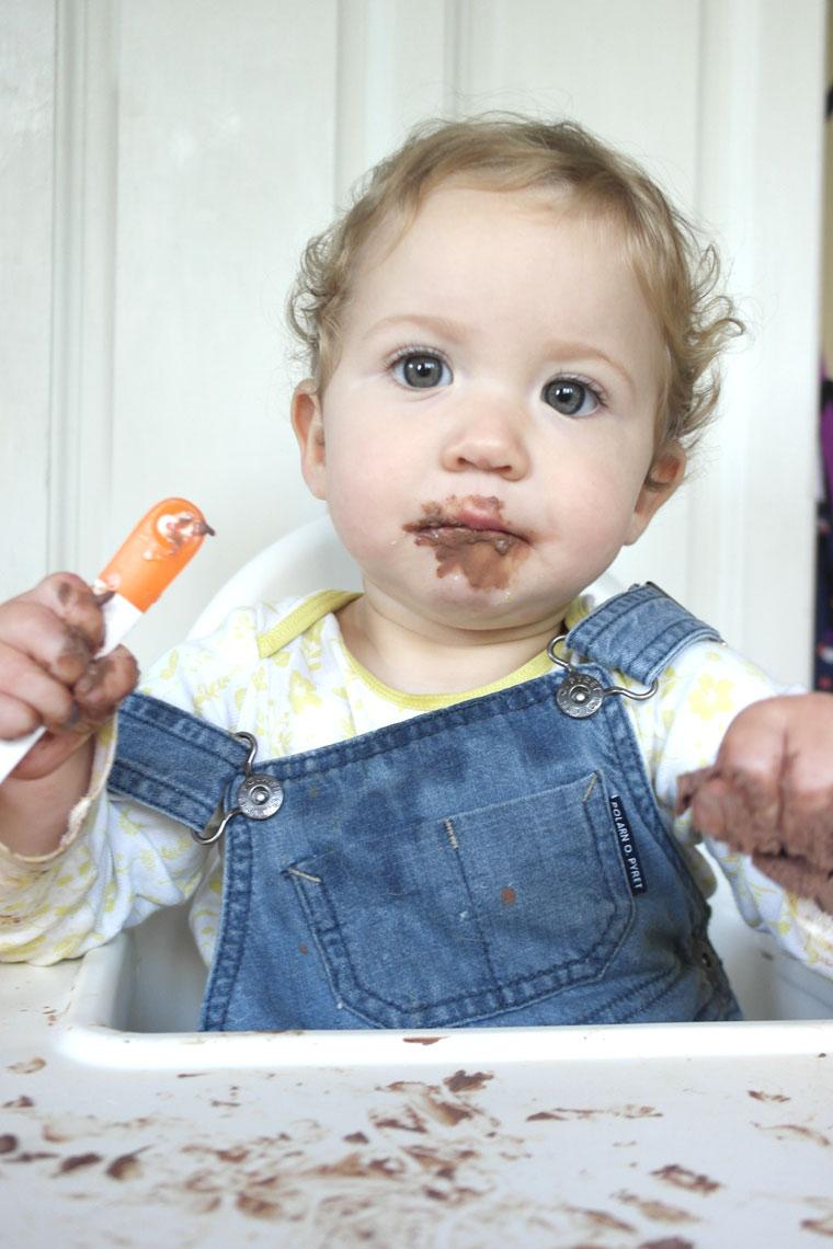 baby-eating-chocolate