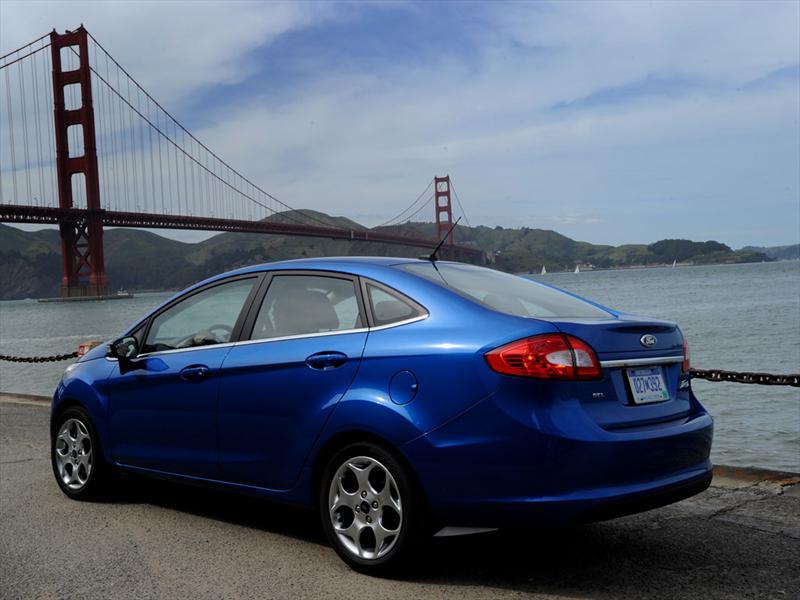 Ford Fiesta Sedn 2012 precio ficha tcnica imgenes y lista de rivales  Lista de Carros