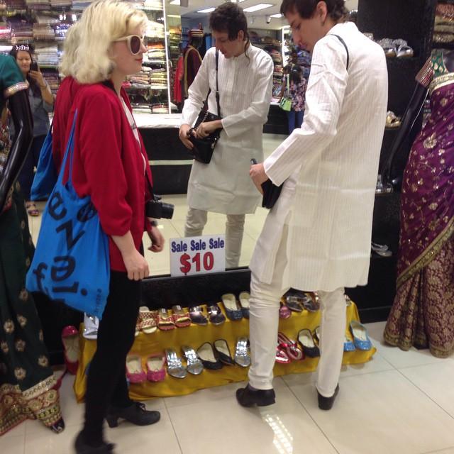 קניות בסינגפור עם אוצ'ר וקירין