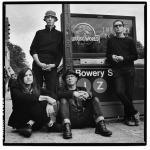 """""""אף פעם לא התעניינתי יותר מדי ברוק"""": להקות מקומיות מראיינות את קולין ניומן מ-WIRE"""