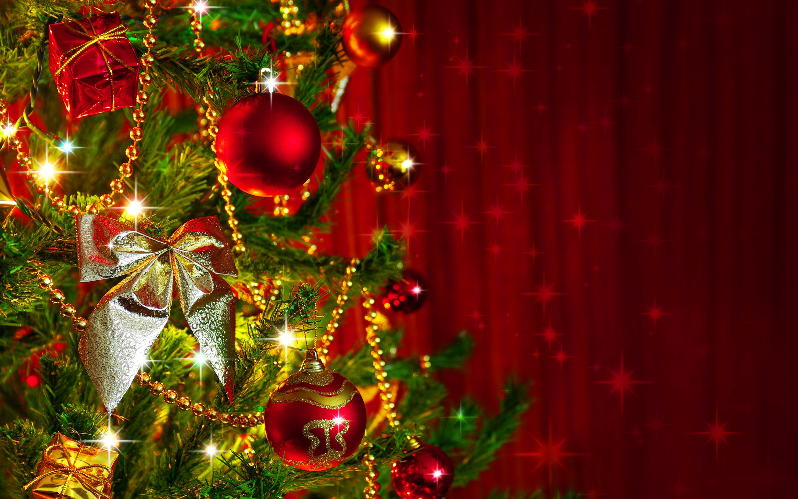 Christmas Tree Decoration Wallpaper